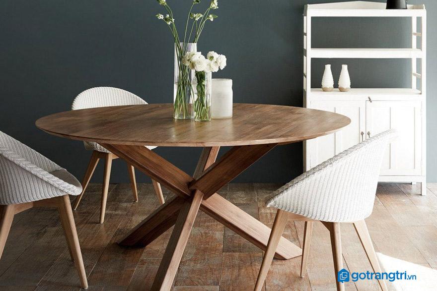 2 lý do nên dùng bàn ăn bằng gỗ tự nhiên