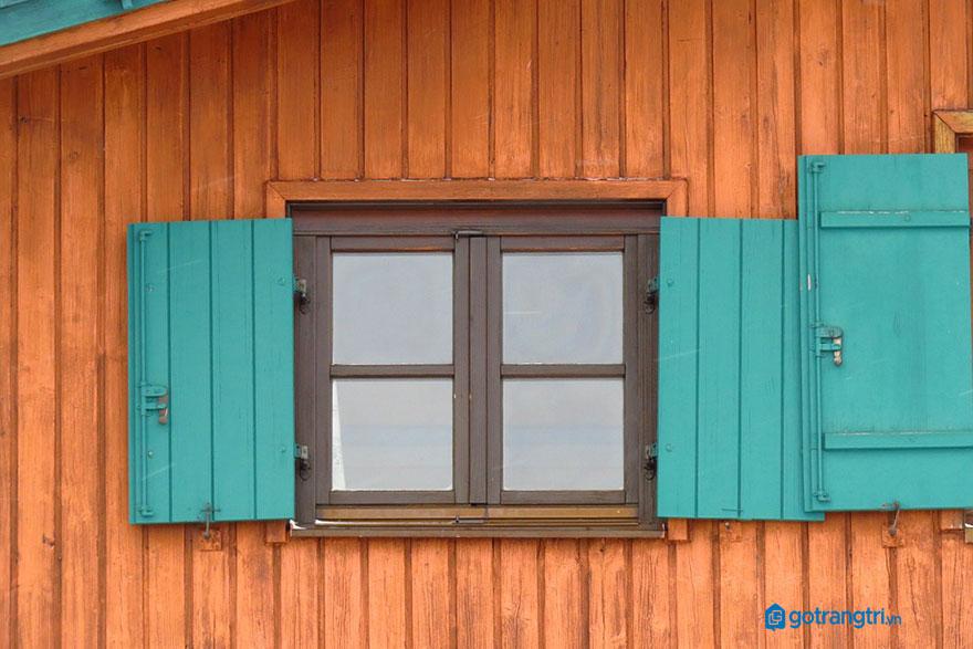 mẫu cửa sổ gỗ 2 cánh 7