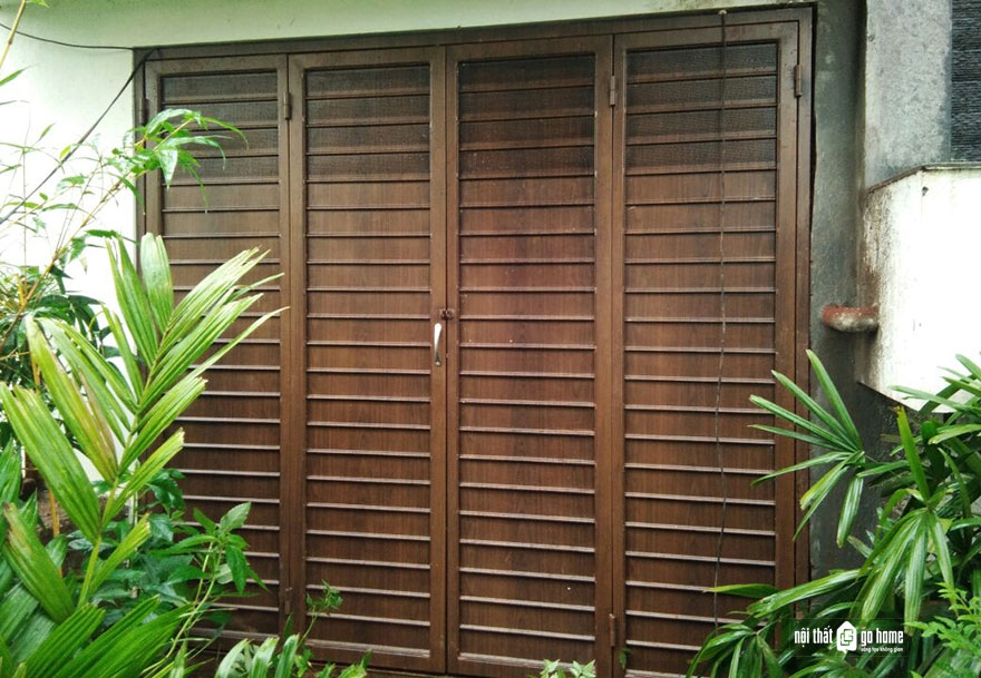 mẫu cửa gỗ 4 cánh 10