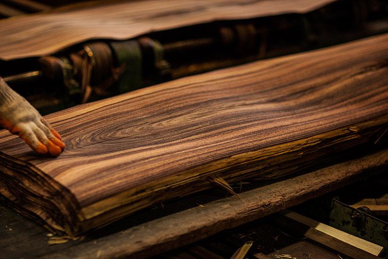 Veneer hoàn toàn là một lát gỗ tự nhiên!