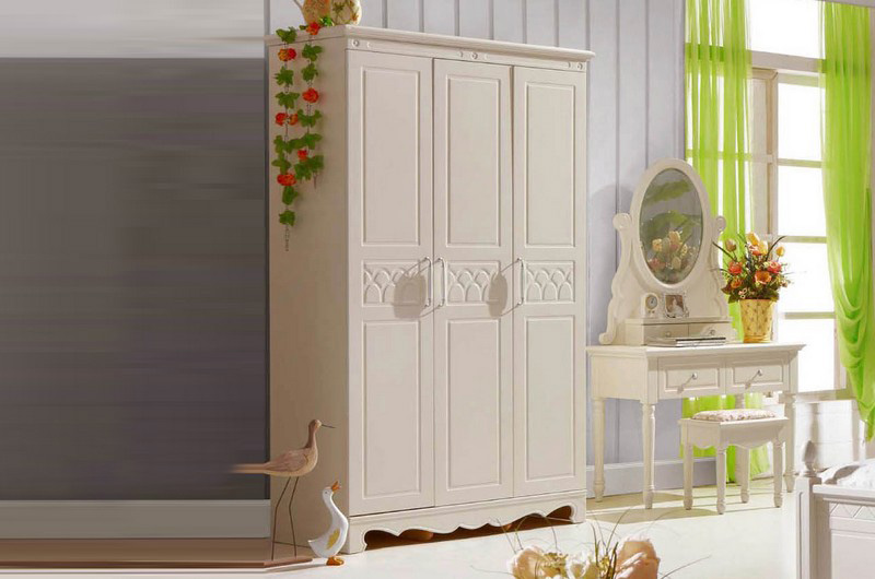 Tủ quần áo gỗ tự nhiên sang trọng