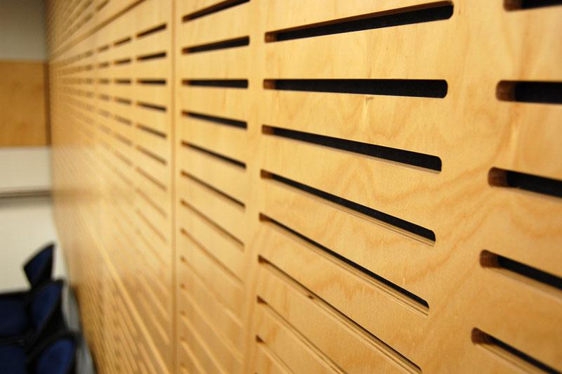 Plywood gồm nhiều Veneer xếp chồng lên nhau